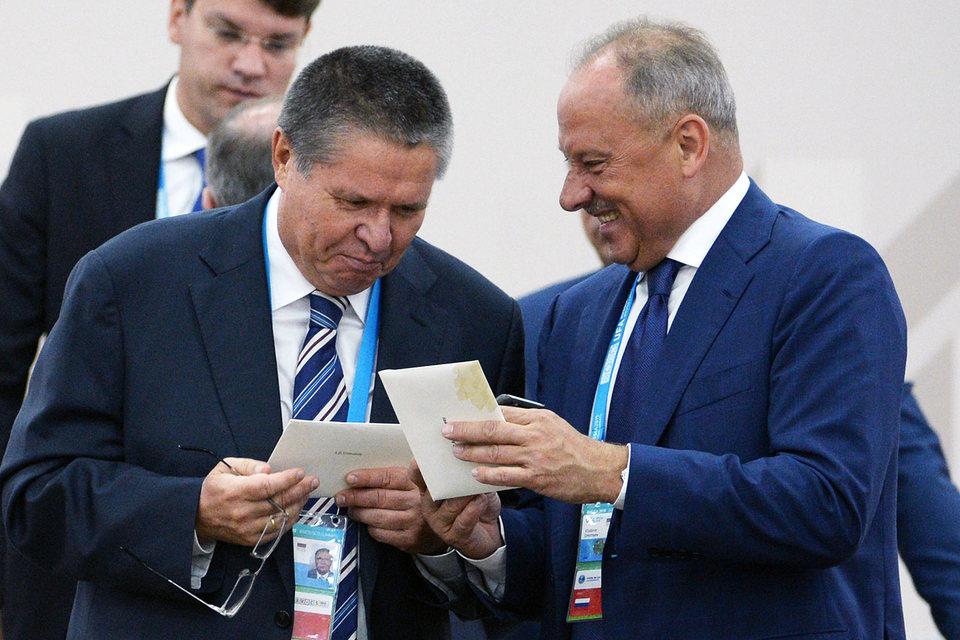 Министр экономического развития Алексей Улюкаев и председатель ВЭБ Владимир Дмитриев