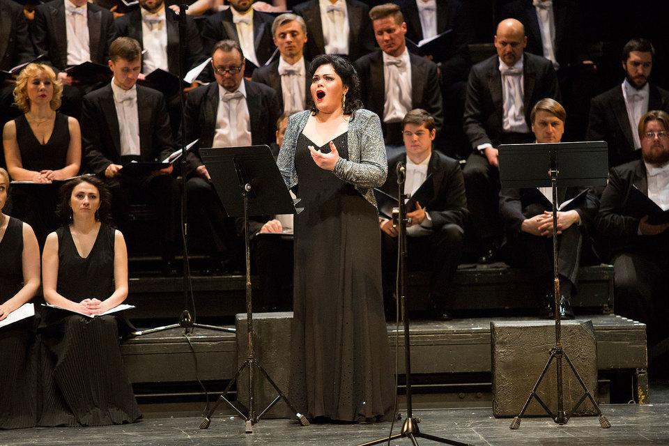 Приятным открытием проекта стала певица Ирина Морева-Половинкина