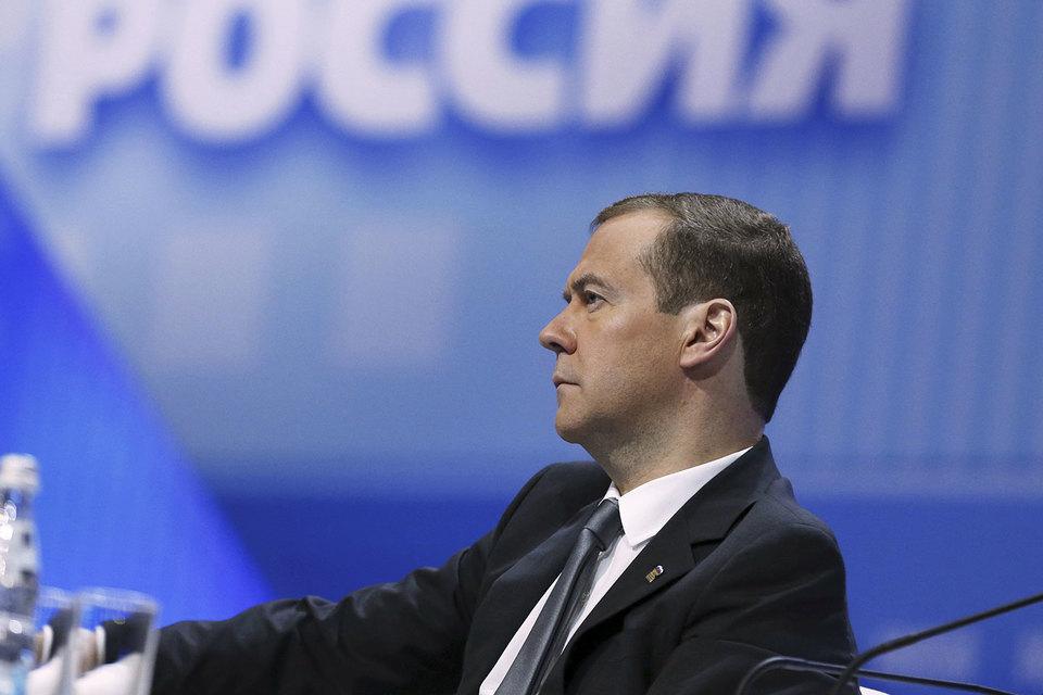 Премьер Дмитрий Медведев готов лично донести до избирателей планы партии