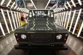 За 68 лет на заводе в британском Солихалле было выпущено более двух миллионов Land Rover серий I, II, III и Defender