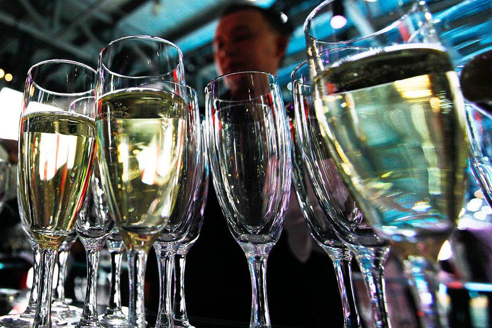 Банк Москвы вновь ищет покупателей на алкогольные активы