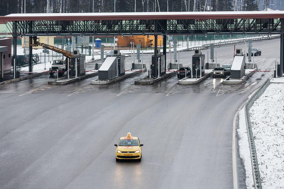 Проезд по платной дороге Москва – Петербург подешевеет на треть