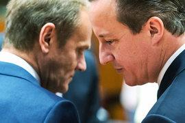 Премьер-министр Великобритании Дэвид Кэмерон (справа) и глава Европейского совета Дональд Туск