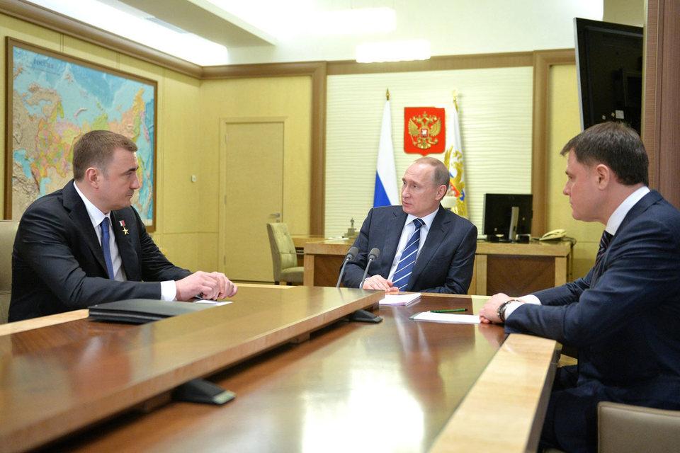 Встреча Владимира Путина с Алексеем Дюминым (слева) и Владимиром Груздевым (справа)