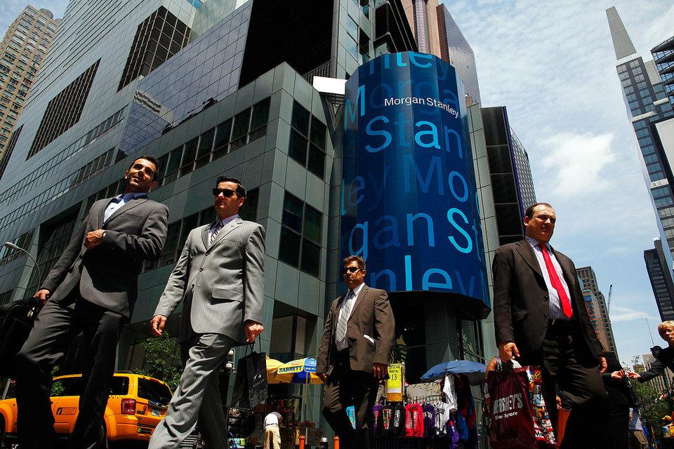 Топ-менеджеры Morgan Stanley и других инвесткомпаний заработали бы гораздо больше в 2015 г., если бы не федеральные штрафы