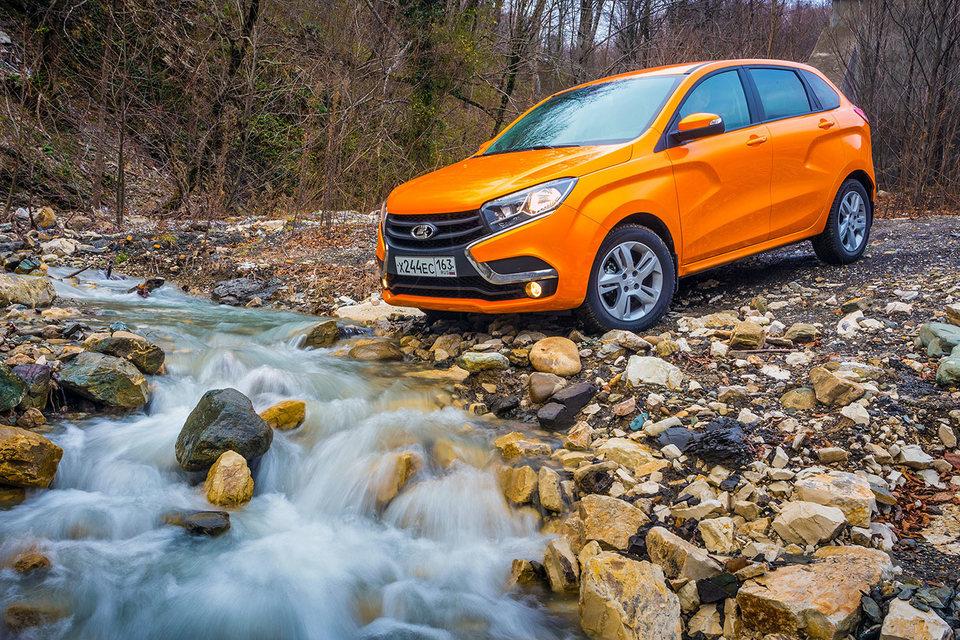 Продажи Lada Xray, в отличие от Vesta, начнутся днем в воскресенье, 14 февраля
