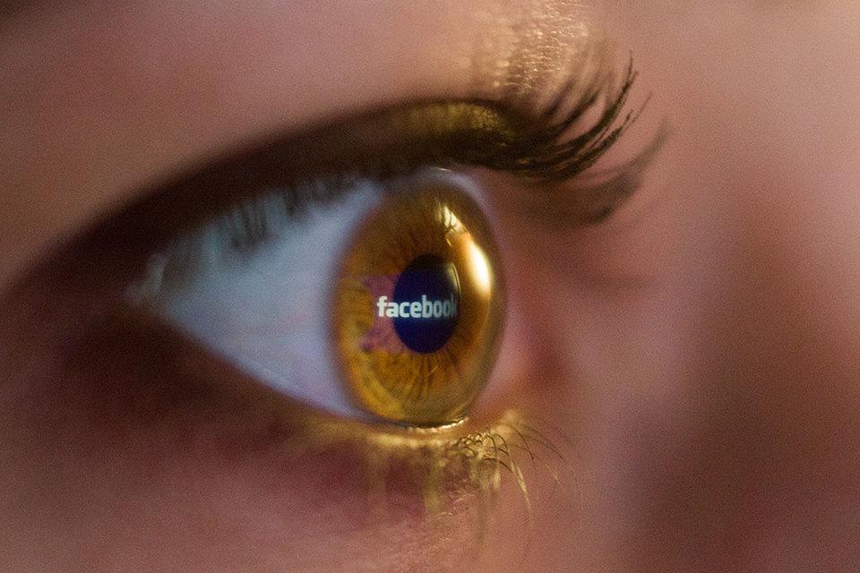 Facebook сообщил, что вскоре сделает доступным во Франции возможность отмечать новости как «сомнительные»