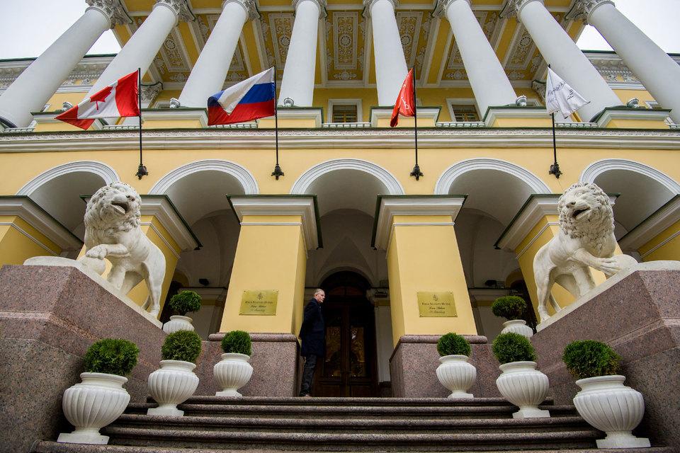 Уголовное преследование Виктор Смирнов связывает с конфликтом «Интарсии» с инвестором реконструкции отеля Four Seasons – ЗАО «Тристар инвестмент холдингс»