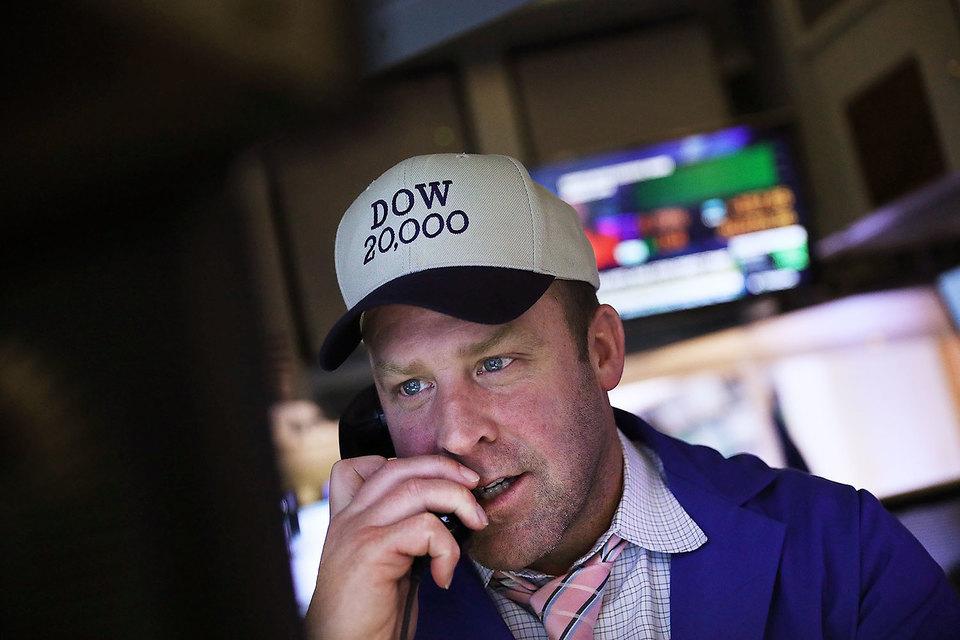 Инвесторы уже полтора месяца пытаются понять, чего же ждать от нового президента