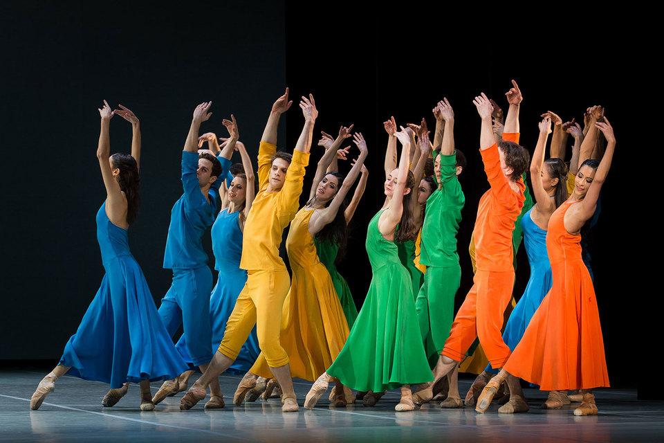 Внешне хореография Мильпье напоминает неоклассику