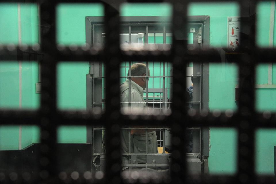 Выплаты в пользу «Матэкса» были приостановлены в связи с уголовным разбирательством в отношении гендиректора и ряда других лиц по делу о систематическом хищении топлива