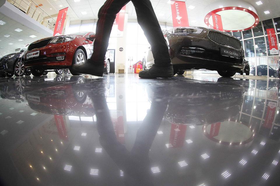 В январе 2017 г. продажи новых автомобилей снова упали