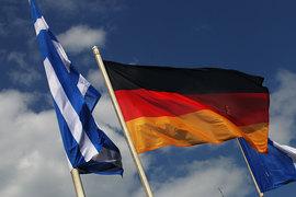 Греции пока не требуются деньги от международных кредиторов, но ей придется делать крупные платежи по долгу в июле