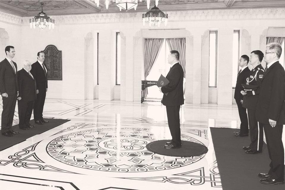 В Дамаске до сих пор работает посольство КНР, а страны постоянно поддерживают диалог на самом высоком уровне