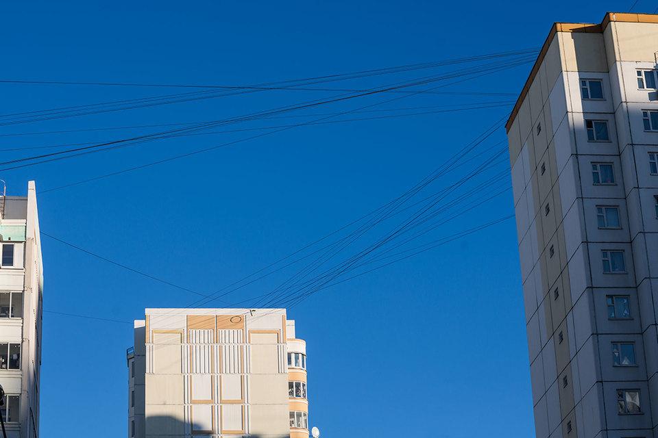 Власти Москвы готовы срезать более 500 воздушных линий связи с домов на севере города