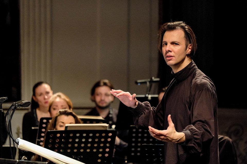 Теодор Курентзис понимает новую музыку так же глубоко, как и классическую