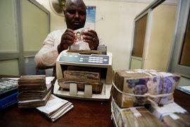 Предыдущие экономические реформы, против которых выступал Бухари, например повышение цен на топливо, также были проведены в прошлом году во время его отсутствия в стране