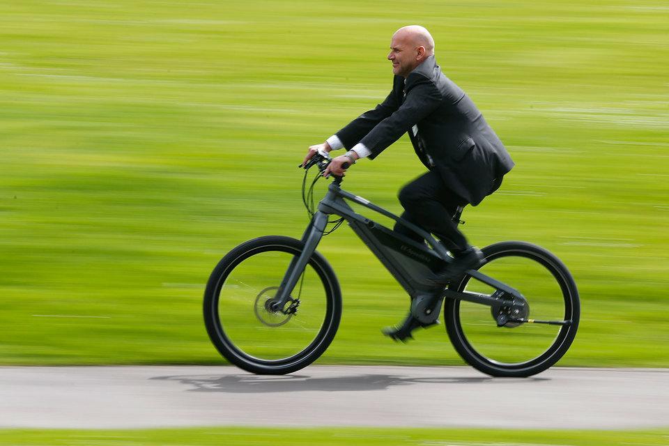Электробайки должны сподвигнуть людей в не очень хорошей спортивной форме пересесть из автомобиля на велосипед