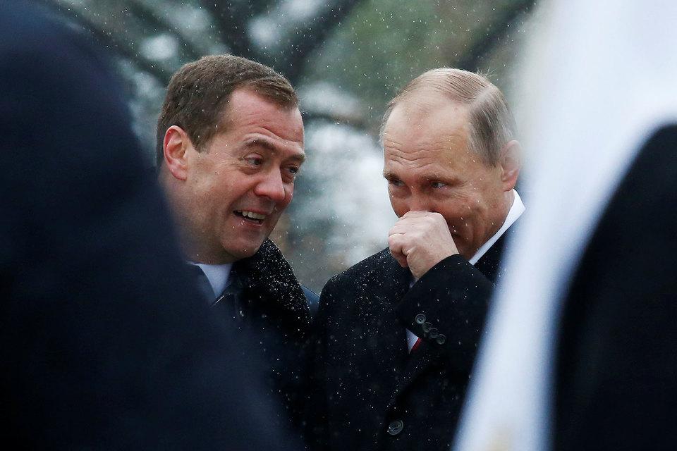 Владимир Путин поручил Дмитрию Медведеву заняться разработкой плана полгода назад