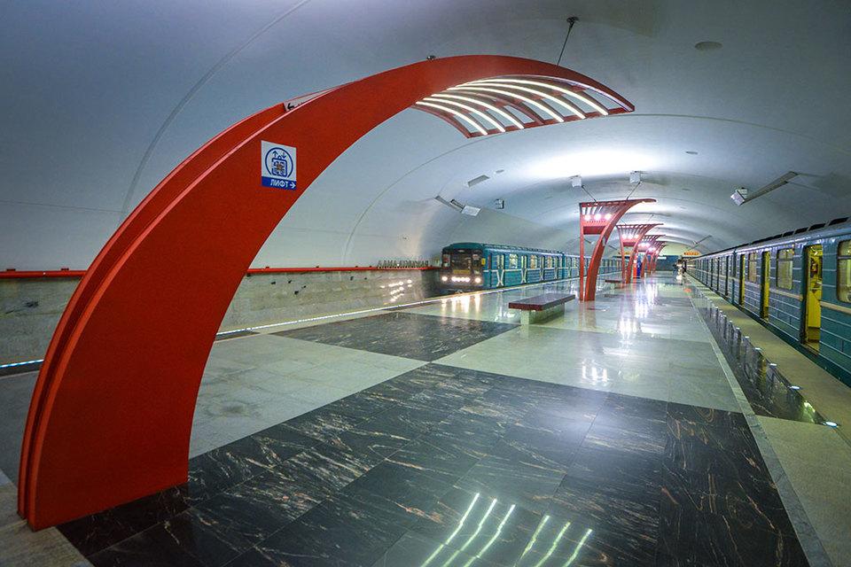 ТПУ «Алма-Атинская» подразумевает строительство в общей сложности 85 000 кв. м недвижимости, из них 46 840 кв. м – торговый комплекс, остальное – парковка, спортивный центр, офисы и культурно-просветительный объект