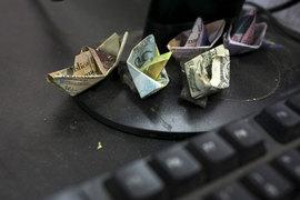 Доллар стал игрушкой в руках спекулянтов