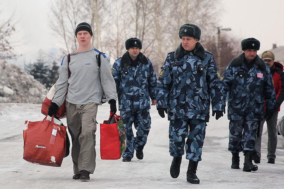 Ильдар Дадин (слева) может остаться единственным осужденным по ст.212.1 УК
