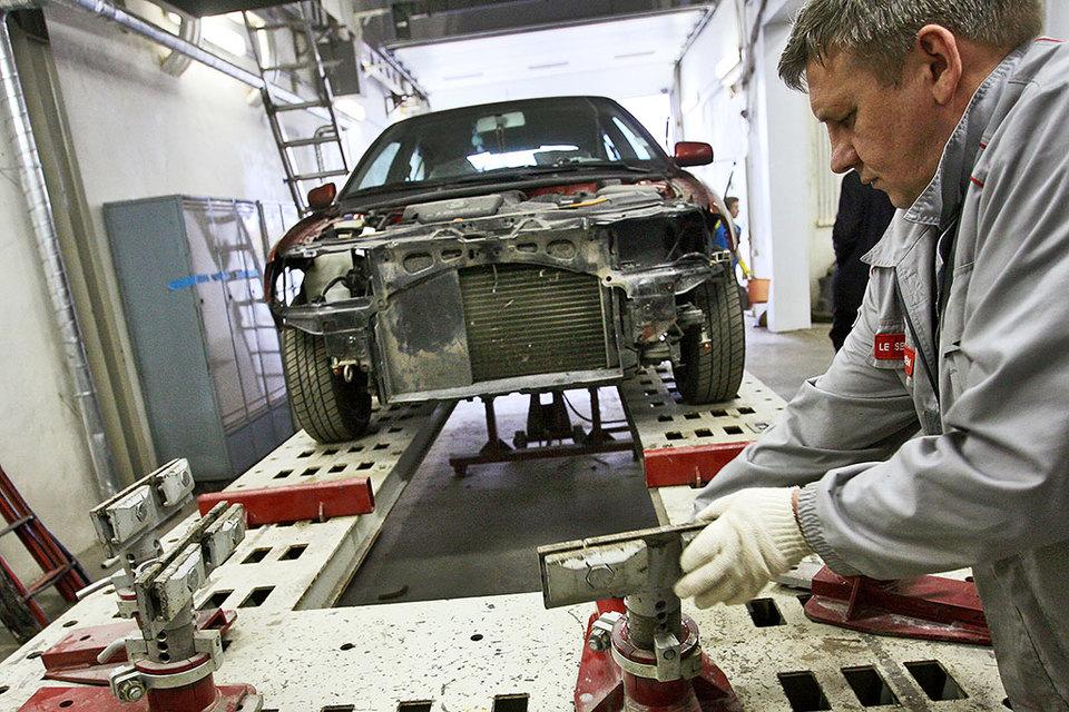 Нужен закон о приоритете ремонта перед выплатами, считают страховщики