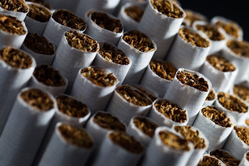 Сигареты очень похожи на алкоголь, считают многие чиновники