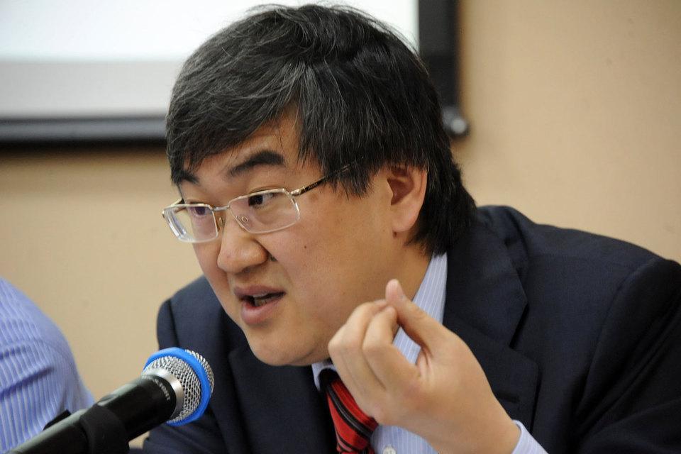 Игорь Ким может продать латвийский Expobank или объединить его с банком в Чехии