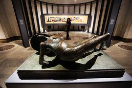 «Павший воин» Генри Мура – одно из самых сильных произведений на выставке
