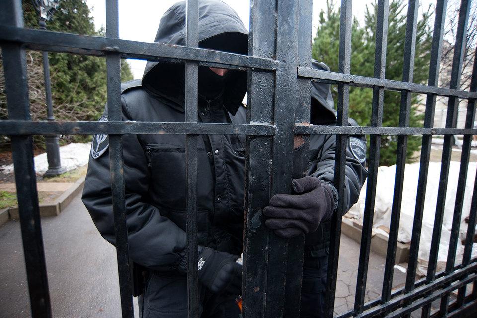МВД подтвердило изъятие картин из Центра Рерихов