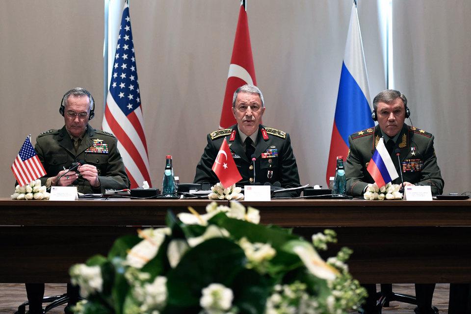 В турецкой Анталье прошла встреча начальника российского Генштаба, председателя объединенного комитета начальников штабов США и начальника турецкого генштаба