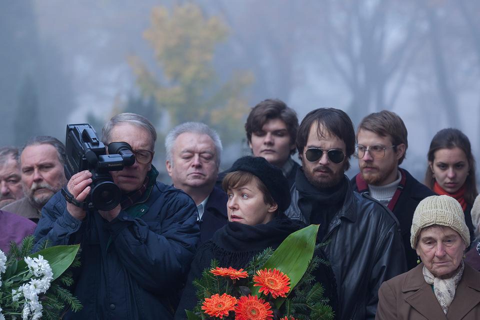 В фильме «Последняя семья» даже похороны нуждаются в объективе