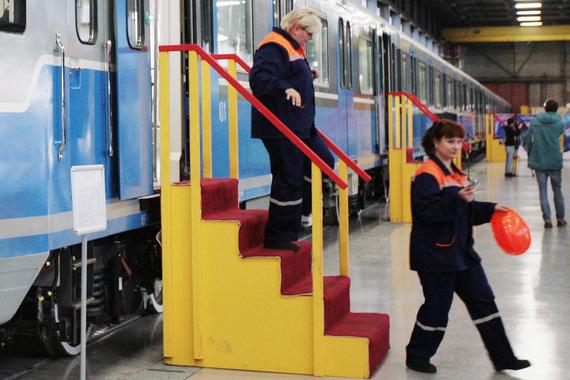 normal 1m7r Смольный потратит 3,7 млрд рублей на закупку вагонов для метро