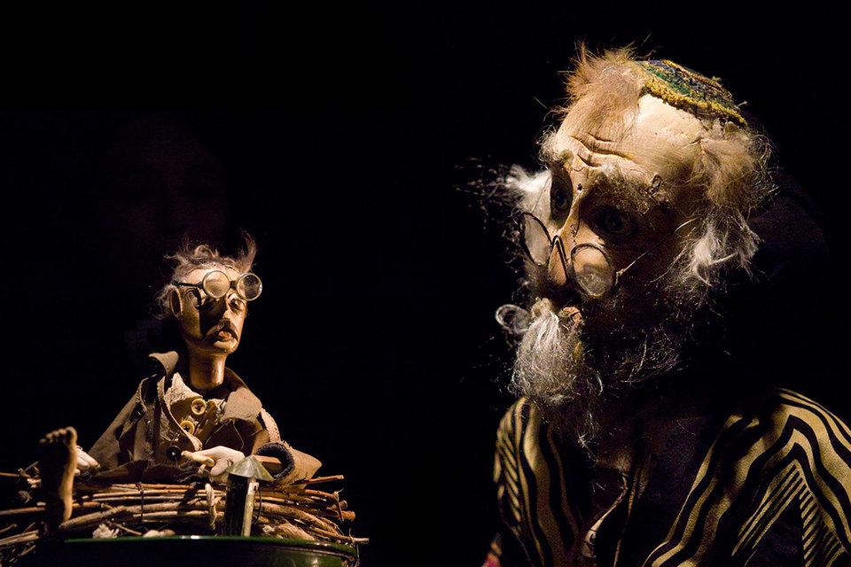 В театре Габриадзе истории рассказывают куклы