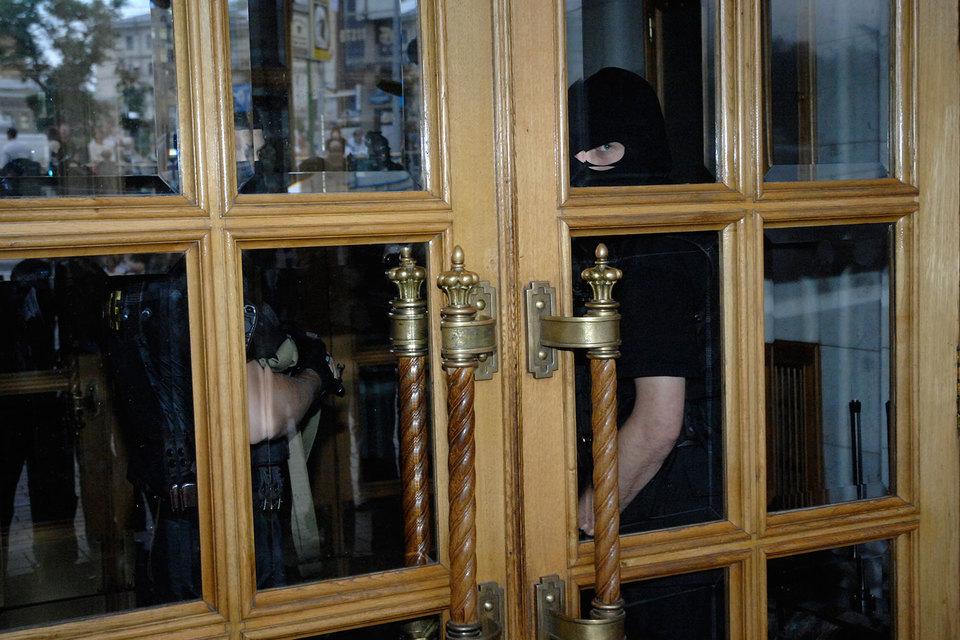 Новые обыски связаны с недавним расследованием ФБК о недвижимости премьера Дмитрия Медведева, считает Навальный