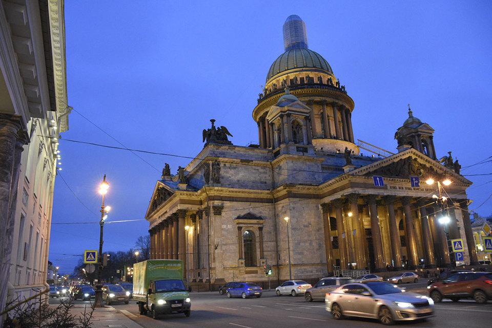 О передаче собора церкви объявил губернатор Петербурга