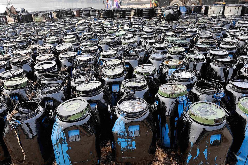 Некоторые нефтяные гиганты считают, что в связи с угрозой пикового спроса им надо повысить эффективность операций