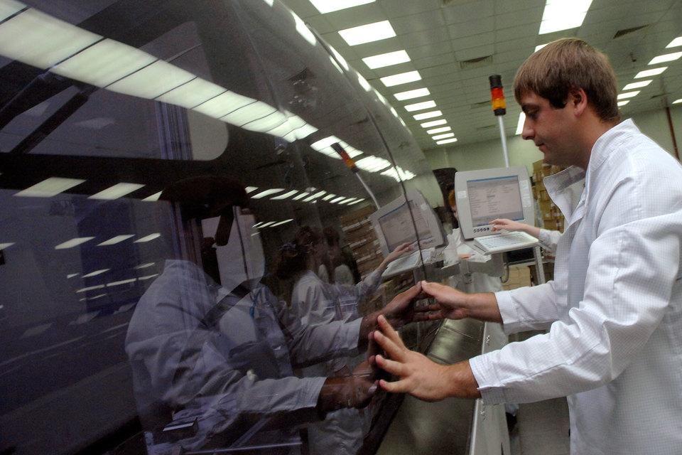 О планах размещения допэмиссии акций «Микрон» объявлял осенью 2016 г. – завод собирался разместить 13,88 млн акций стоимостью 350 руб.