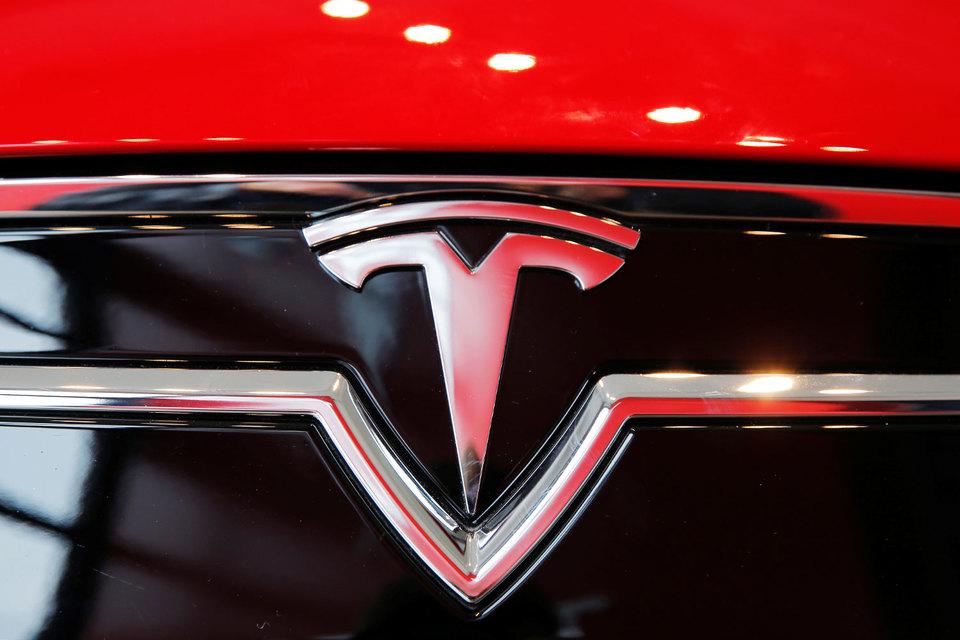 Tesla привлечет еще $1 млрд