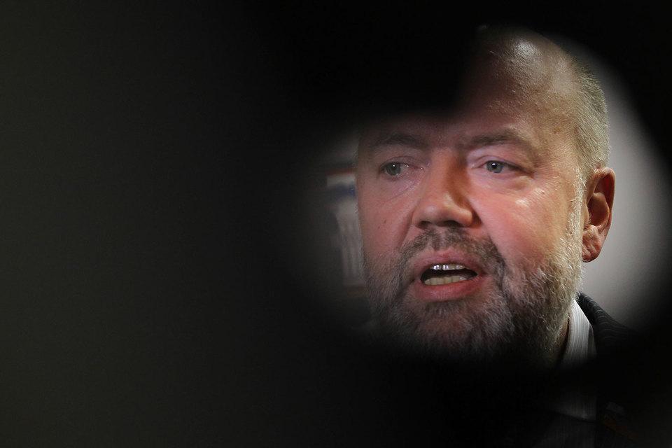 По мнению коллег, комитет Павла Крашенинникова (на фото) слишком много на себя берет
