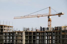 Фонд имущества продал три участка, на которых можно построить около 80 000 кв. м жилья. Застройщики заплатят за землю почти 1 млрд руб.