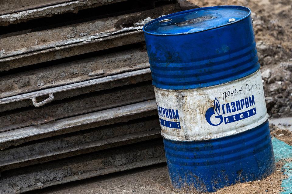 «Газпром нефть» обещает выполнить обязательства по снижению добычи нефти