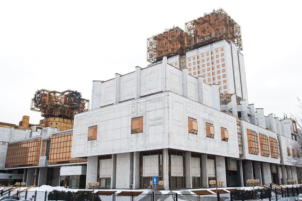 В день выборов президента РАН стало известно, что свои кандидатуры сняли все три претендента на эту должность