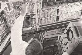 Появление в 1950–1960-е гг. компьютеров привело к созданию факультетов вычислительной математики и кибернетики в советских вузах