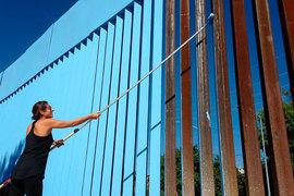 Вашингтон хочет, чтобы с американской стороны стена была «эстетически приятной» и «сочеталась с окружающей средой»