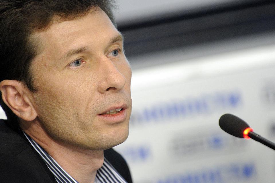 В сентябре 2015 г. Федотов выкупил у немецкой Axel Springer права на издание в России журнала Forbes