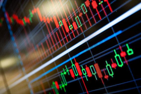 Владельцы индивидуальных инвестиционных счетов (ИИС) смогут  получить инвестиционный налоговый вычет в сумме внесенных в 2016 г. на  ИИС средств, но не более 400 000 руб. (сумма возврата – до 52 000 руб.)