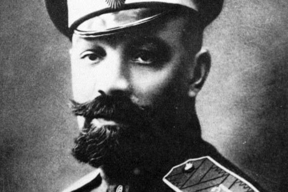 26 января 1930 г. бывший командир Добровольческого корпуса Белой армии и глава Российского общевоинского союза (РОВС) генерал Александр Кутепов был похищен в Париже агентами ОГПУ и умер по пути в СССР на советском теплоходе