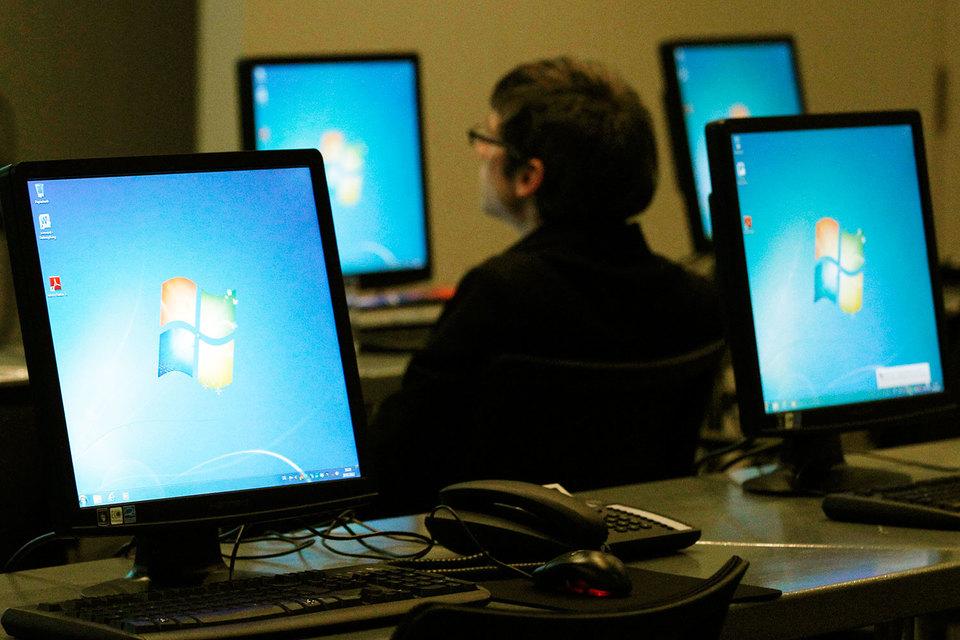 Сейчас госорганы не могут свободно закупать продукты зарубежных корпораций, в том числе Microsoft